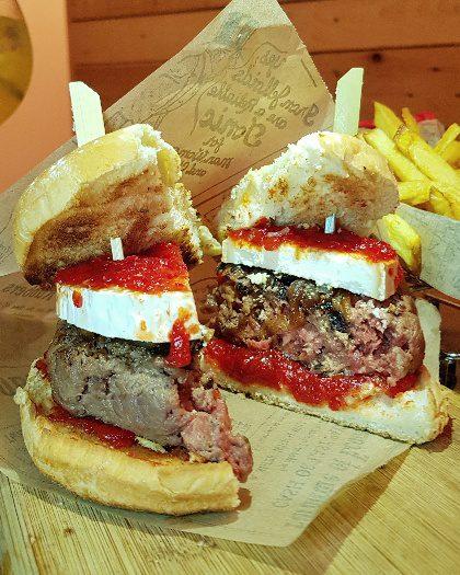atabalats burger patatas bravas barcelona restaurantes alioli salsas