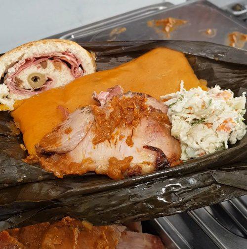 casa diaz plato navideño patatas bravas barcelona restaurantes alioli salsas