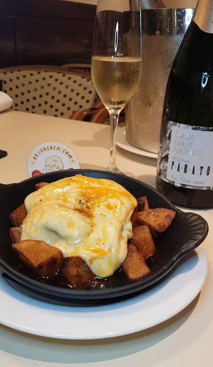 vivanda cava parato patatas bravas barcelona restaurantes alioli salsas