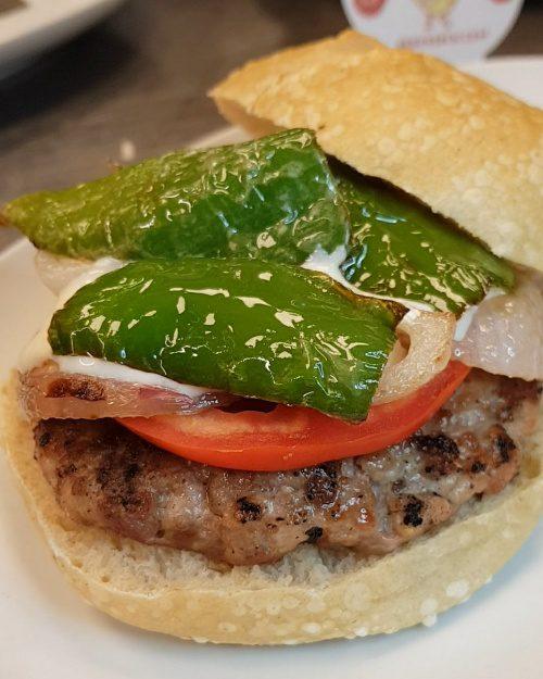 filete ruso burger patatas bravas barcelona restaurantes alioli salsas